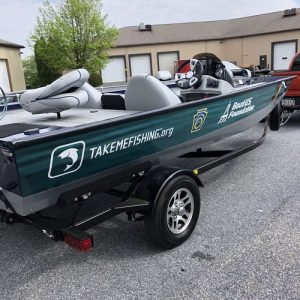 custom boat wrap and graphics